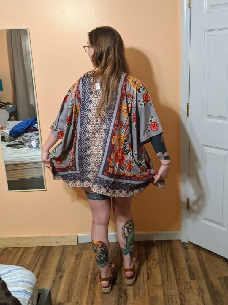 t-shirt, shorts, sandals, and kimono